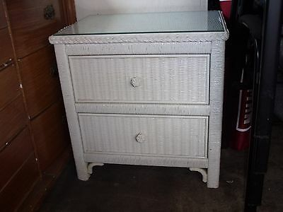 Wicker Henry Link Vintage LEXINGTON White 2-drawer Nightstand/ Glass Top - Used