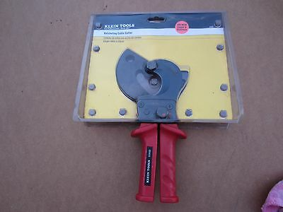"Klein 63600 Ratcheting Cable Cutter - Cut copper to 600 MCM 1-3/4"" or 44MM Dia."