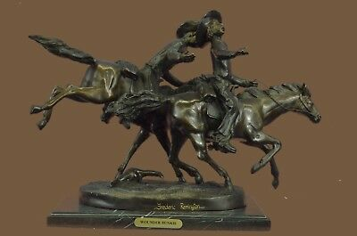 """Bronze Sculpture Statue SIGNED VINTAGE """"WOUNDED BUNKIE"""" BY FREDERIC REMINGTON FI"""
