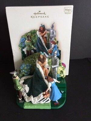 HALLMARK KEEPSAKE ORNAMENT 2007 WIZARD of OZ KING of the FOREST MAGIC MUSIC