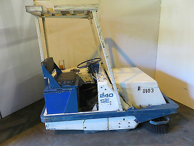Tennant 240EH SE Ride-On Power Sweeper