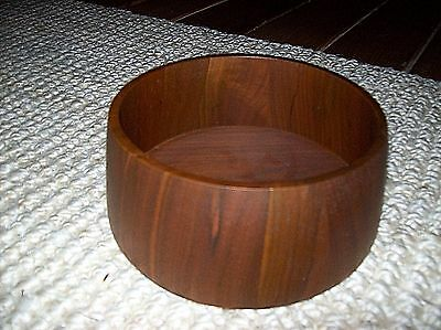 """Woodland Studios Carved Wood Salad Serving Bowl Perryville MO 7"""" Round"""