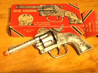 1950 - 1960 Kilgore Big Horn Six Shooter Cap Gun with original box