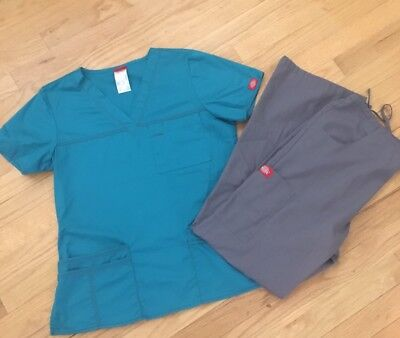 Women's Scrubs Lot, Dickies, Small sizes