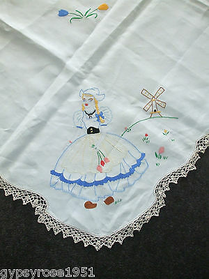 Vintage Hand Embroided Tablecloth, Hand Crochet Lace Edging. Linen ?