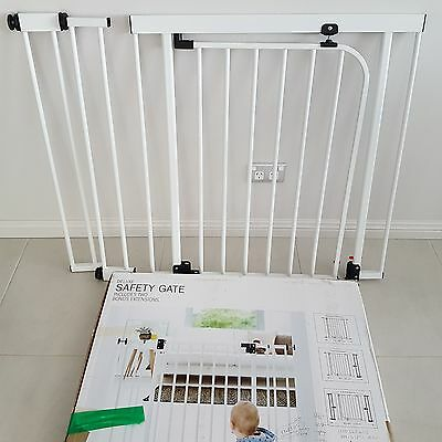 Target Deluxe Safety Gate with extensions