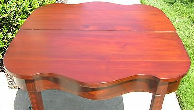 Federal Mahogany Serpentine Fold Top Card Table