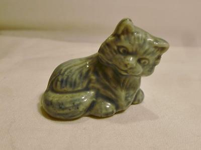 Cute Vintage Wade From England Blue Cat Figurine. Nice!!