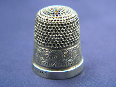 LOVELY HENRY GRIFFITH & SONS LTD STERLING SILVER THIMBLE Size 13