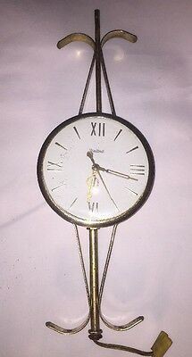 Vintage UNITED Electric Wall Clock Works Good Model 207 Made In USA
