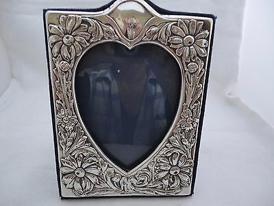 BEAUTIFUL LARGE EMBOSSED IN HIGH RELIEF SOLID SILVER PHOTO FRAME  LONDON c1994,