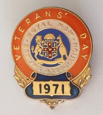 1971 Veterans Day Royal NSW Bowling Club Badge Pin Vintage Lawn Bowls (L31)