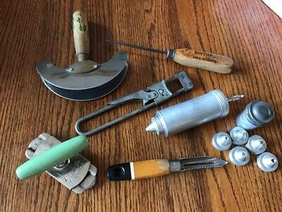 Lot Of 6 Vintage Wood Handled And Aluminum Kitchen Utensils Tools