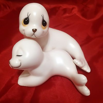 Gorgeous Oxford White Seal Sea Lion Mama and Baby Figurine