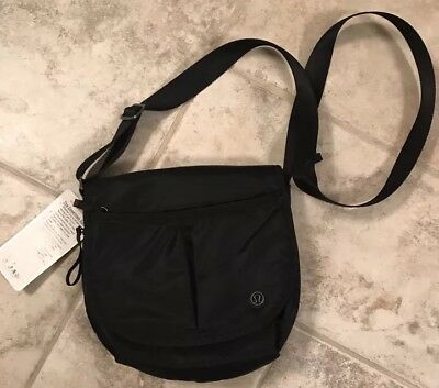 NWT Lululemon The Essentials Bag- Black