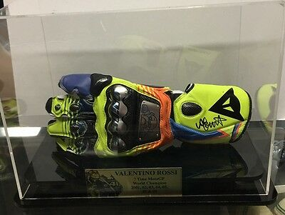 Moto Gp Legend Valentino Rossi Signed Glove In Display Case