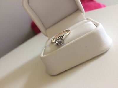 9ct Solid Gold Solitaire Ring - 9K Hallmarked Gold