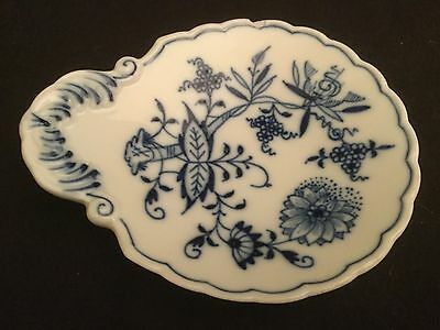 Meissen Blue Onion Trinket Pin Shell Footed Dish Bowl