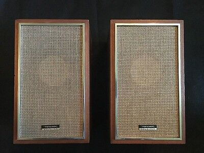 Pair Of Vintage Realistic Solo 103 Speaker 40-103 Walnut Wood Gold Original Box