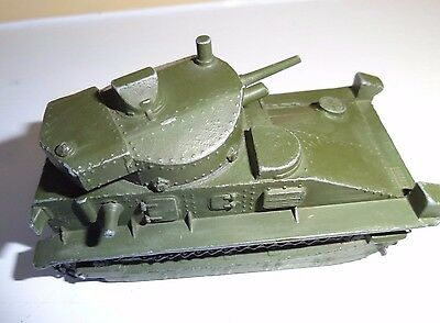 DINKY TOYS No.151a  VICKERS MEDIUM  TANK 1948