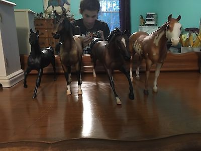 Breyer Horses lot of 4