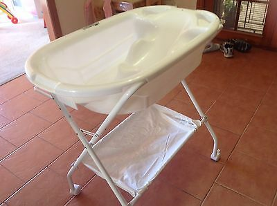 Baby Bath With Foldable Stand