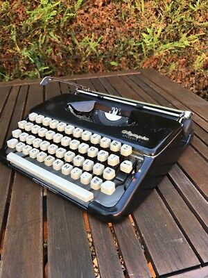 Vintage Olympia Splendid 66 Navy Blue Typewriter NOT WORKING SPARES ONLY