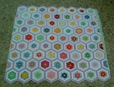 Vintage  FLOWER GARDEN QUILT 1930's Very Good