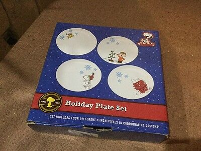 Peanuts Cartoon Art Christmas Holiday Ceramic Plate Set of 4, 2012