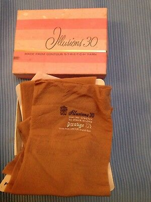 Vintage Illusions 30 Prestige Nylon Stockings Boxed Size 10.5. REDUCED PRICE