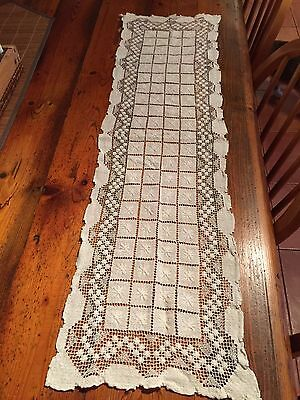 Lovely Antique Cream Lace Table Runner