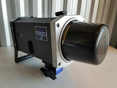 Hensel Integra 500 Monolight W Bulb and Cover Working Condition