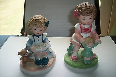 """2 Homco """"Sisters at Play"""" Figurine #1440  Pair of figurines w Gold Sticker VGC"""