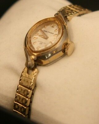 Ladies' vintage 1960's 17 jewel, Swiss Waltham manual wind gold dress wristwatch