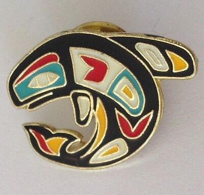 Blue Whale Indigenous Design Pin Badge Vintage Retro Collectable (N2)