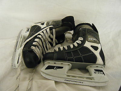 C4 CCM 92  Ice Skates Size 5  Well Used