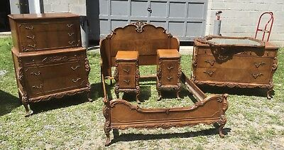 1920's FRENCH STYLE CARVED MAHOGANY 6 PC. BEDROOM SET