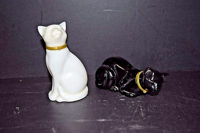 VINTAGE Collectible Avon Cat Shaped Perfume Decanters - Set of 2