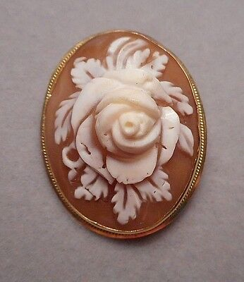 1950s Italian Carved Shell Rose Floral Cameo Brooch Pendant in 18K Yellow Gold