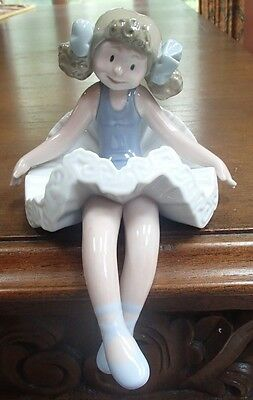 "Lladro #1501 ""Rag doll"" Harlequin/Clown/Jester Shelf Sitter- MINT,no box,RV$590"