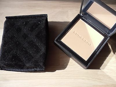 BURBERRY Cashmere compact Honey N°32
