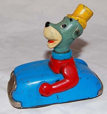 1962 Huckleberry Hound Louis MARX friction powered tin litho Car - rare