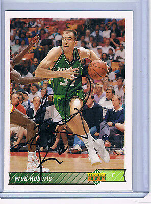92-93 Upper Deck Fred Roberts #225 Milwaukee Bucks Signed Autographed Card