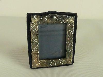 (Ref165DI 1) Miniature Hallmarked Silver Photo Frame