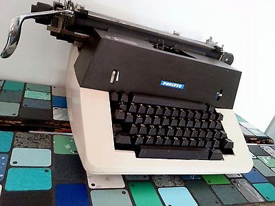 ANTIQUE VINTAGE RETRO PACIFIC Co. MANUAL TYPEWRITER 1970s WORKS WELL MELBOURNE