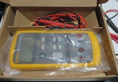 Fluke 715, Voltage/mA calibrator