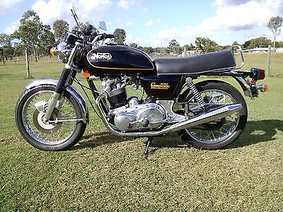 Norton Commando 1975 MK 3 Electric Start