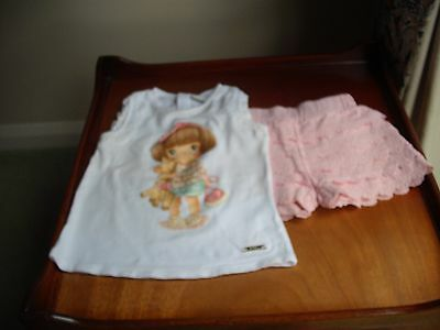 MAYORAL OUTFIT - SLEEVELESS PATTERNED TOP WITH FRILLY LACY SHORTS - 18-24 Months