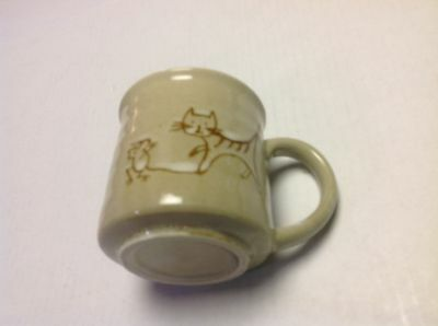 Kitty Cat Catches Mouse Stoneware Coffee Mug
