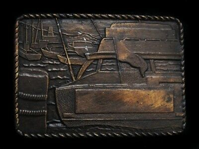 NB03112 VINTAGE 1970s **CABIN CRUISER BOAT** BELT BUCKLE